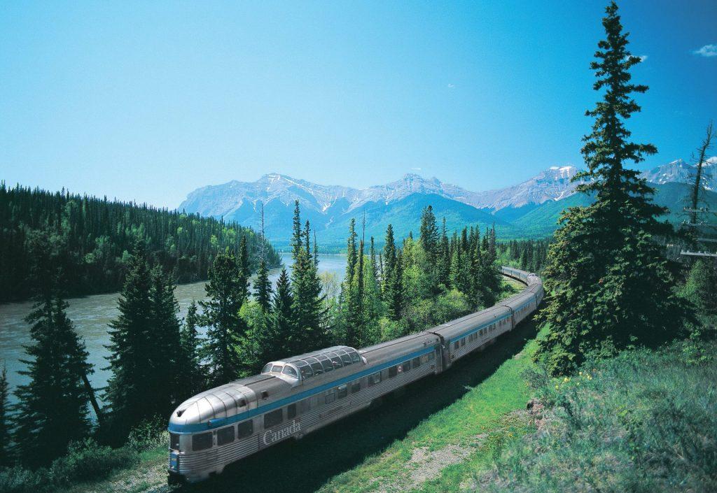 Recorre Canadá en tren