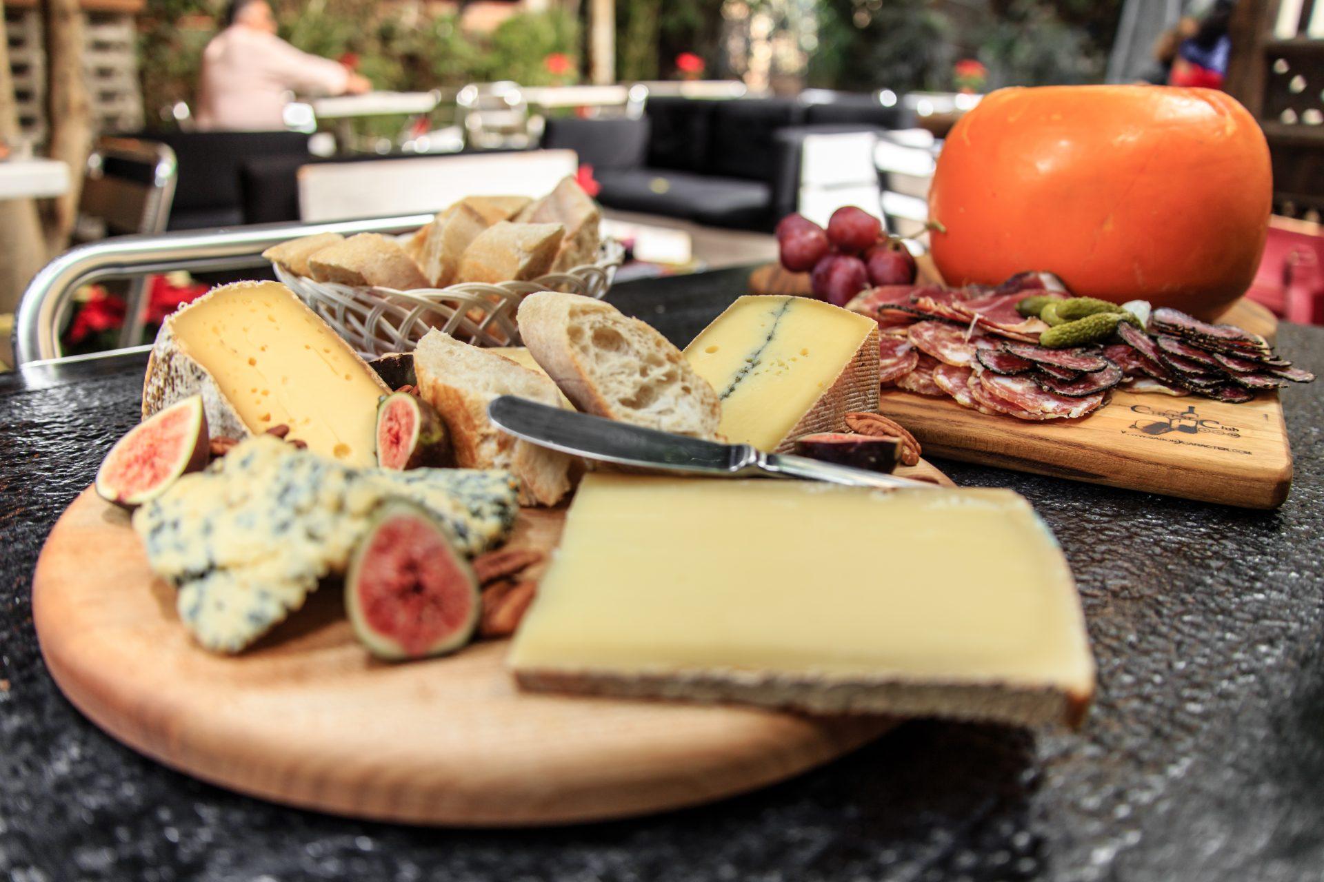 Crea tu propia tabla de quesos gourmet