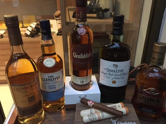 Cata de whiskies y habanos, el maridaje perfecto