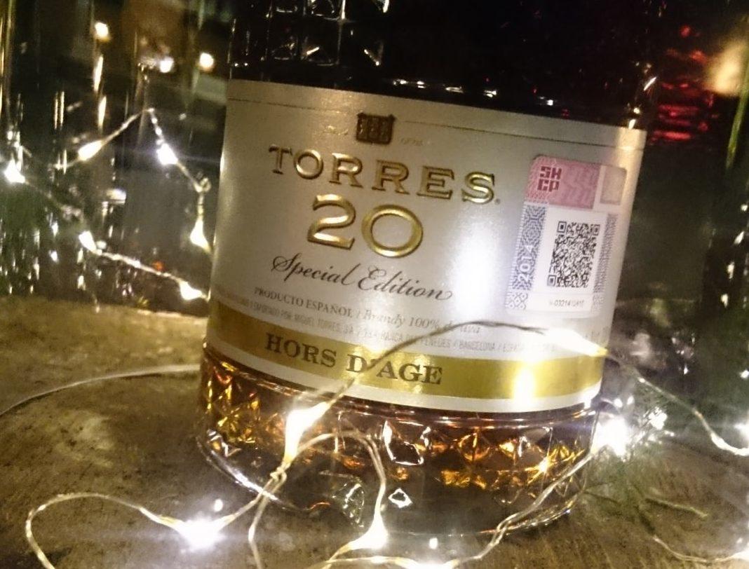 Torres 20 estrena botella
