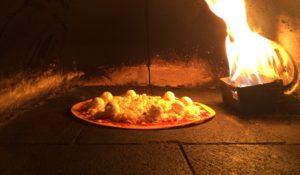 La nueva propuesta de Helado Obscuro se sirve en una pizza