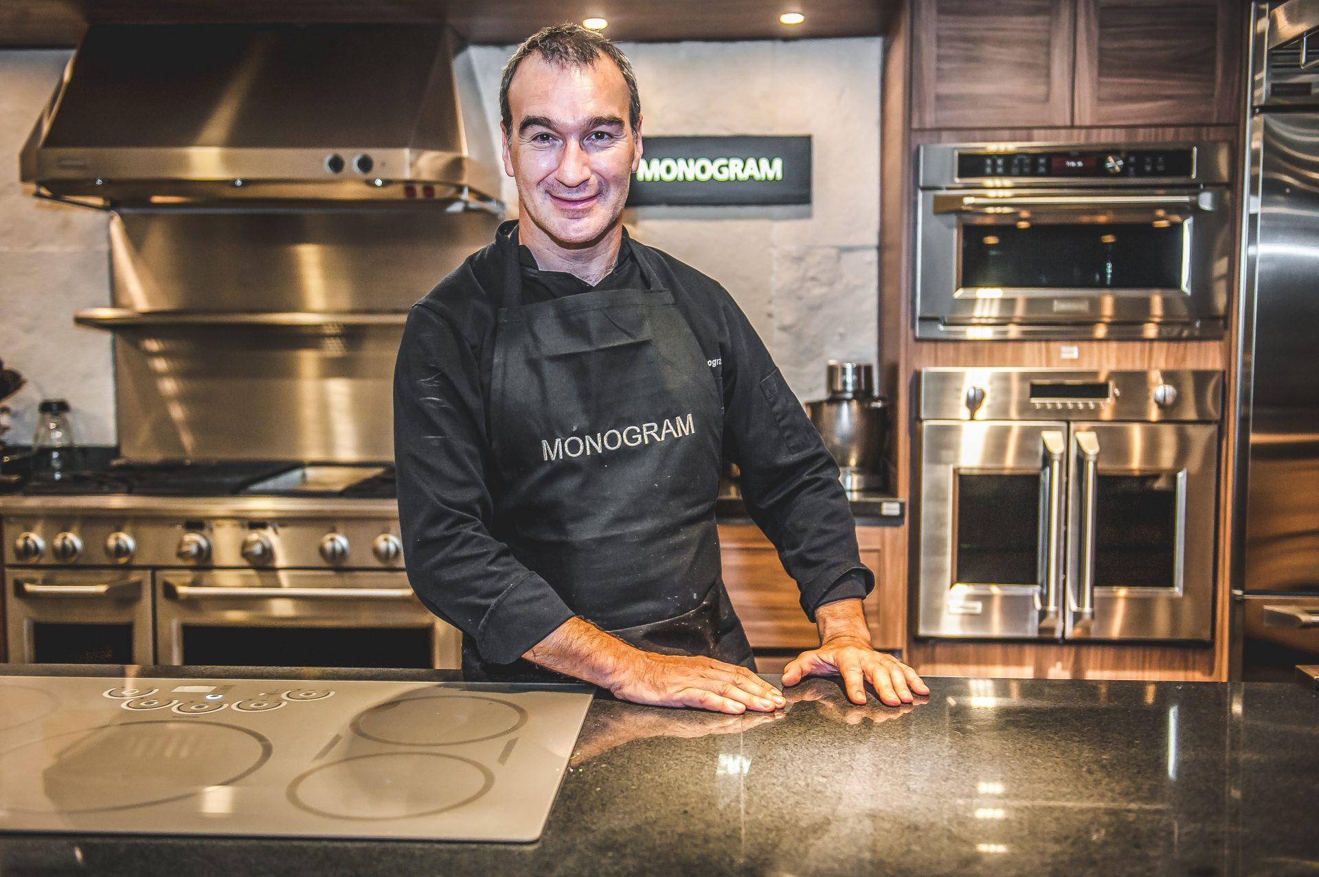 Cocinando con el chef Pablo San Román