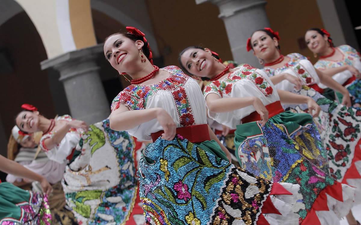 México Y Sus Trajes Típicos Miles De Historias Para Vestir