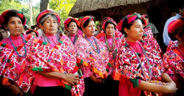 Traje típico de Chiapas quexquémitl