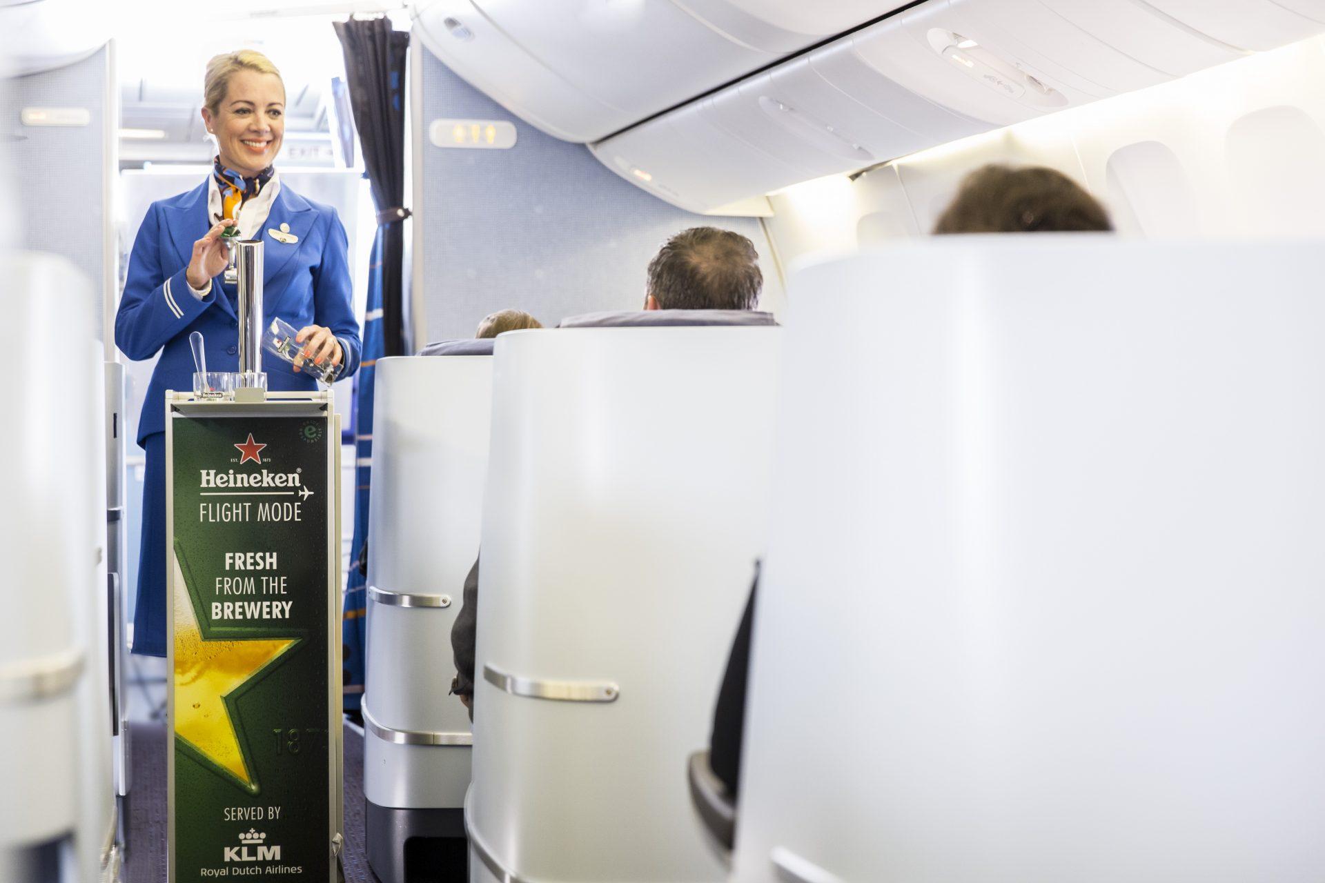 KLM sirve en los aires cerveza de barril