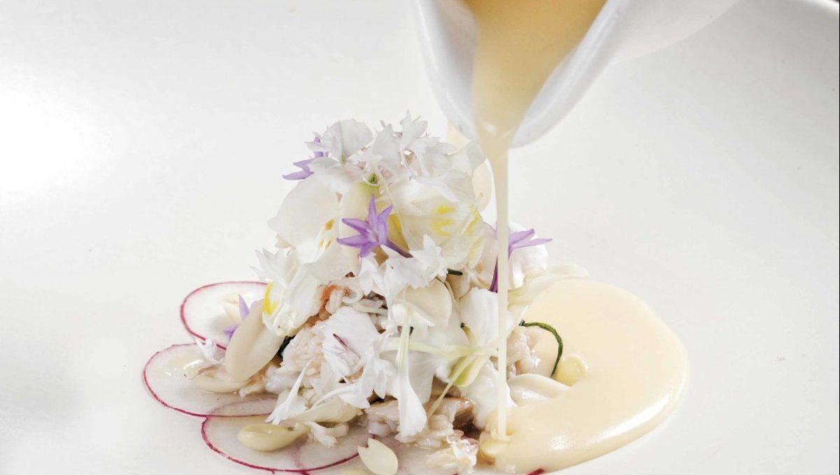 Centollo con mantequilla de habanero fermentada