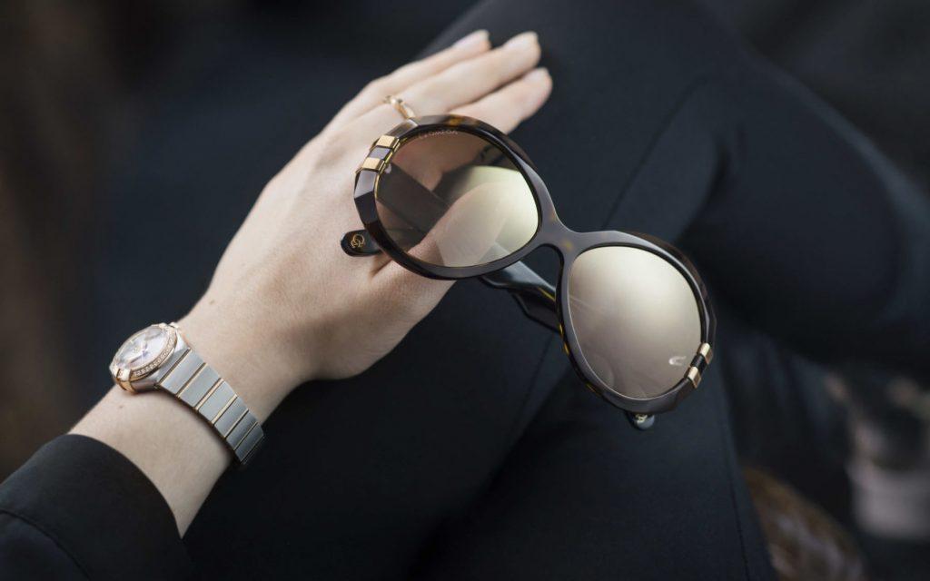 Protégete del Sol de otoño con gafas OMEGA