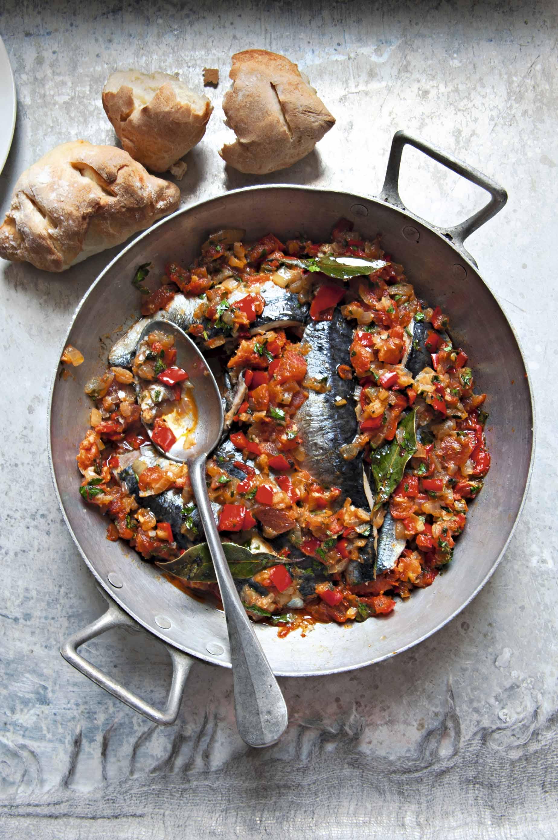 Sardinas al horno con pimientos