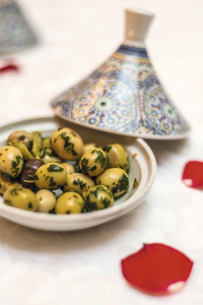 Dinerjat Restaurant-Olives-3962