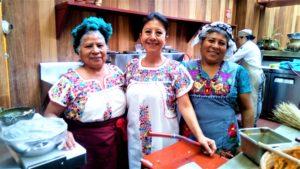 Cocineras Tradicionales celebran los 485 años de Oaxaca