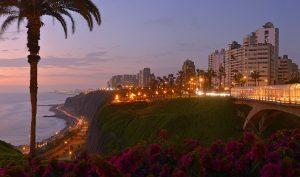 Lima: modernidad y tradición frente al mar