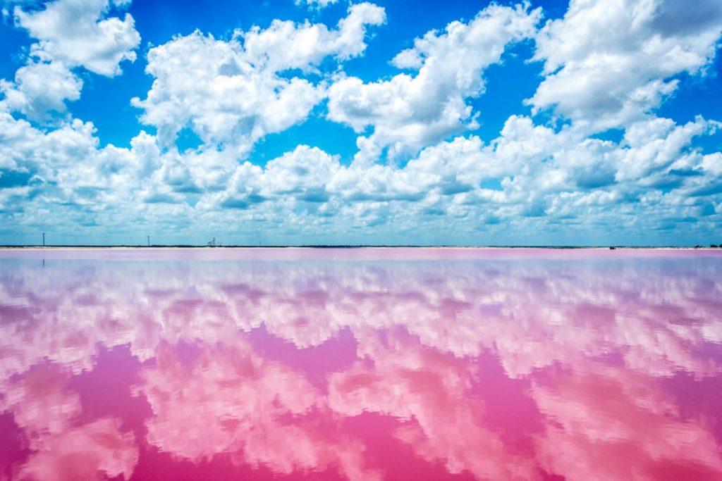 Playas de colores en el mundo