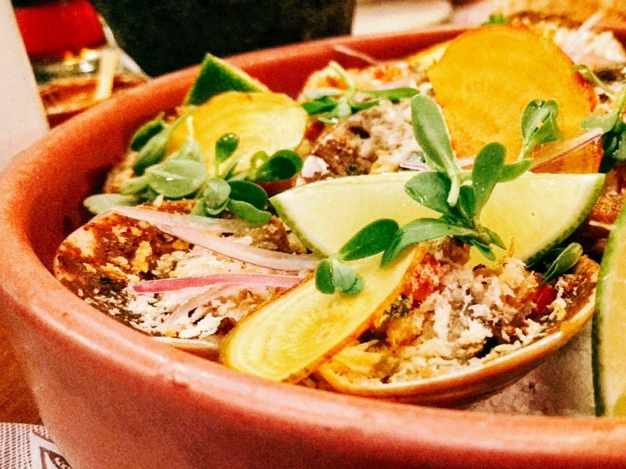 Juan Cabrera y Antonio de Livier cocinan por Gastromotiva