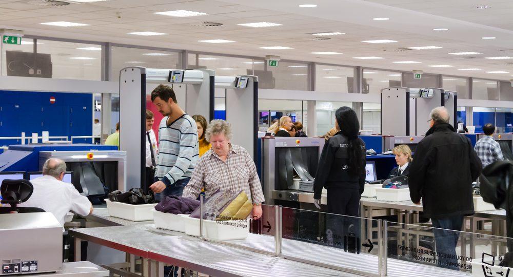 Tu laptop y tablet serán revisadas al viajar a Estados Unidos