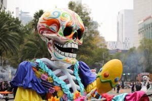 Carnaval de Calaveras: Desfile del Día de Muertos