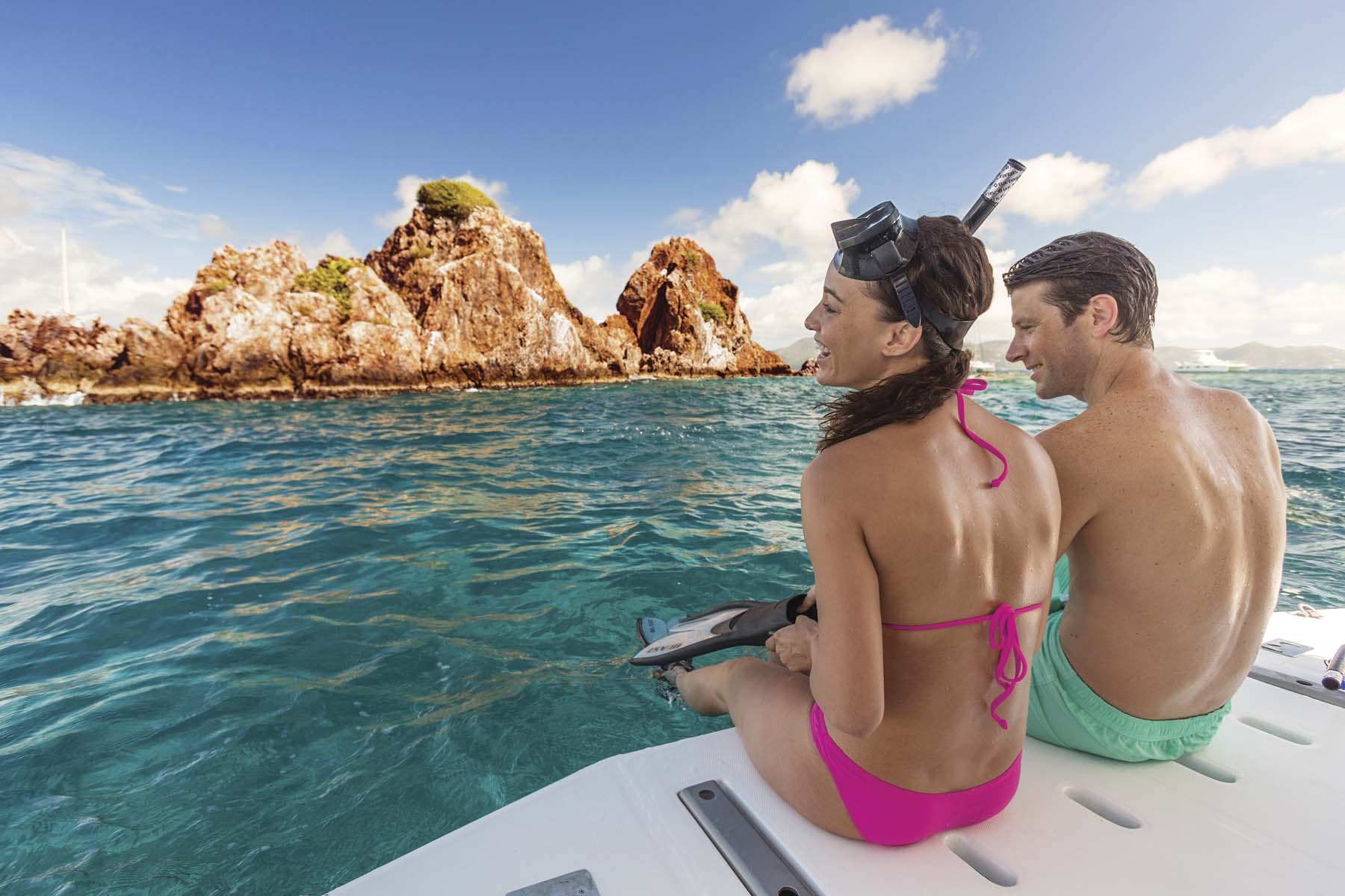 Destinos tropicales para escapar en pareja con The Moorings