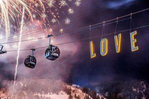 Aspen Snowmass te declara el amor con una noche de esquí gratis