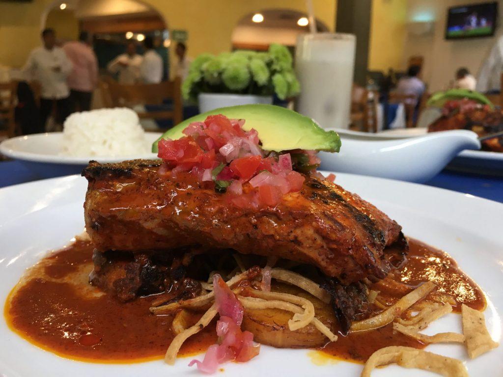 Los almendros, tradición yucateca consolidada en la Ciudad de México