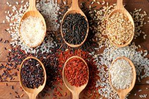 Cinco granos de arroz para cocinar