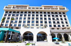 El mar de Ensenada, el hogar de Hotel Torre Lucerna