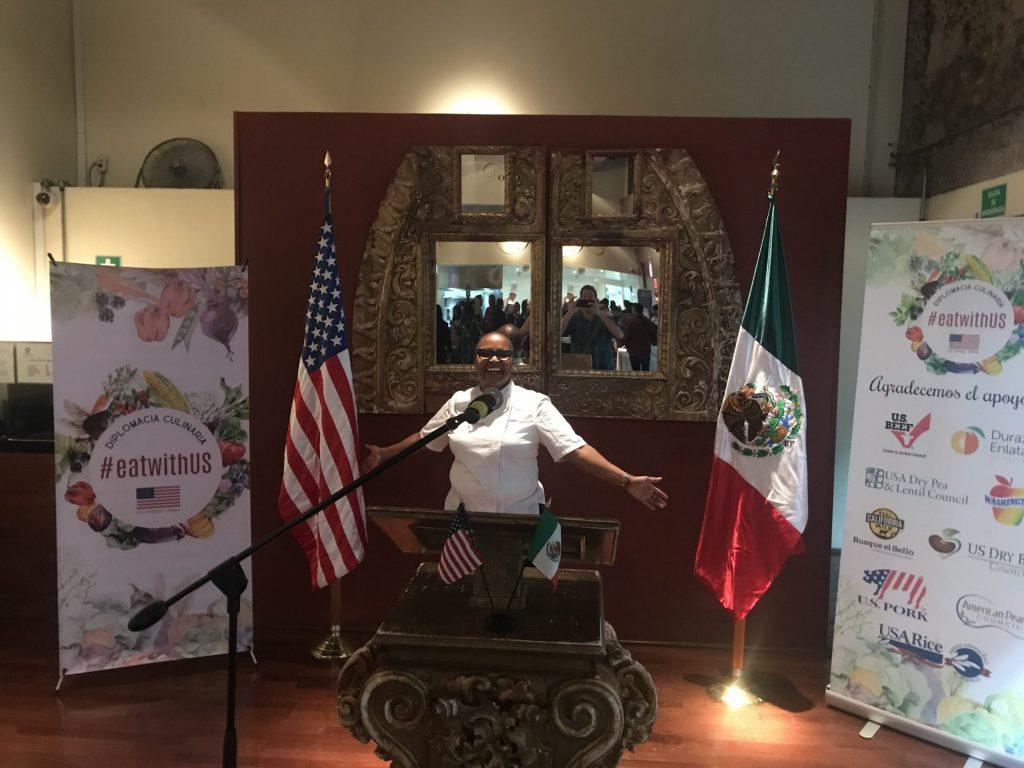 EatwithUS: uniendo diplomacia y gastronomía