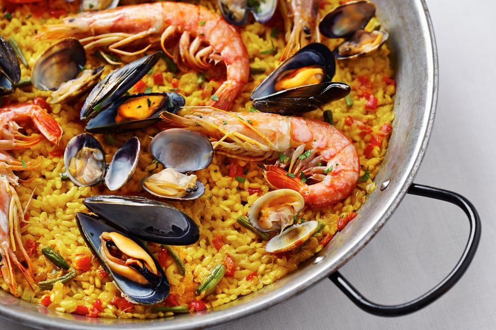 Disfruta de Azafrán: Festival de Paella y Vino