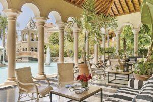 Hotel Bahía del Duque: rincón neoclásico