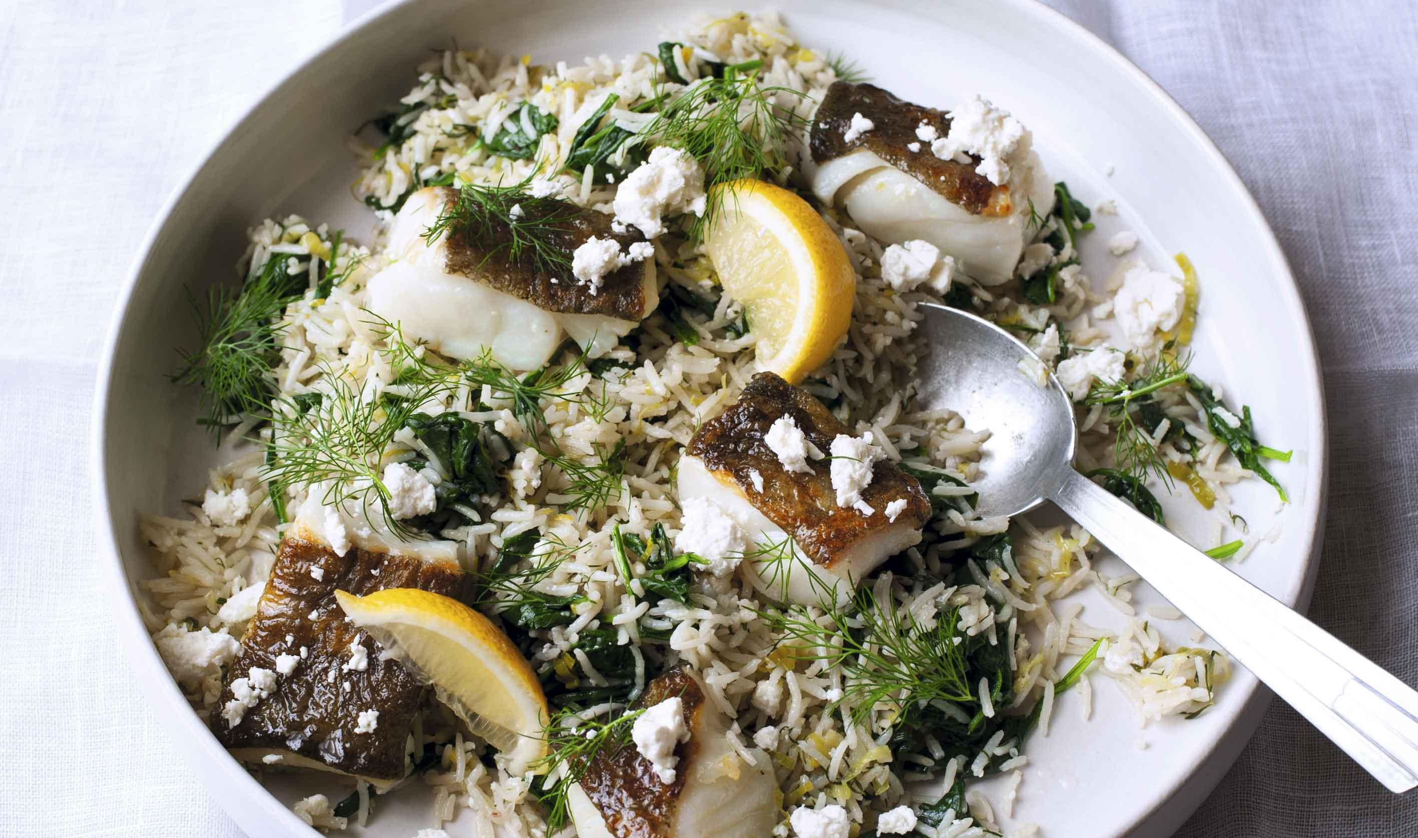 Bacalao con eneldo y arroz con espinacas