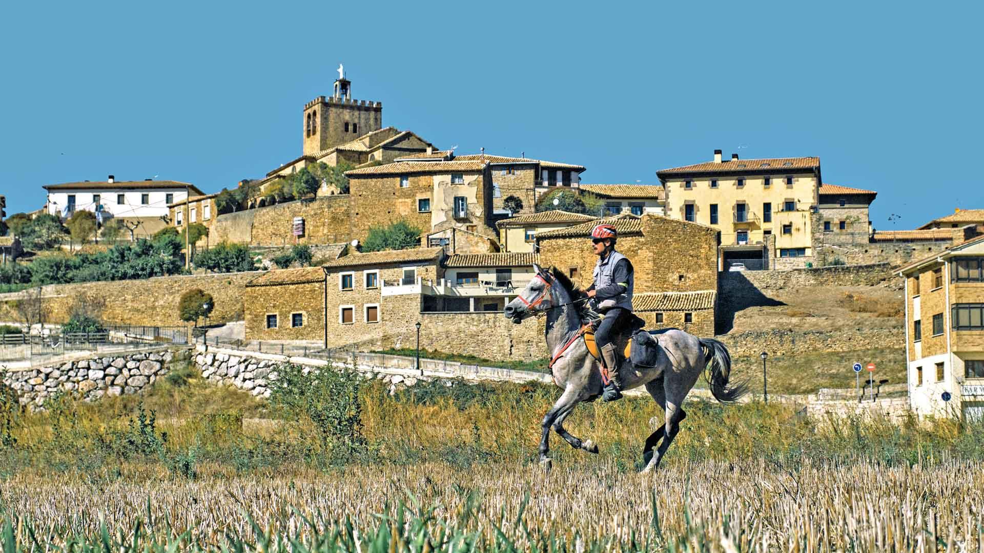 Navarra, España: cabalgar entre montañas