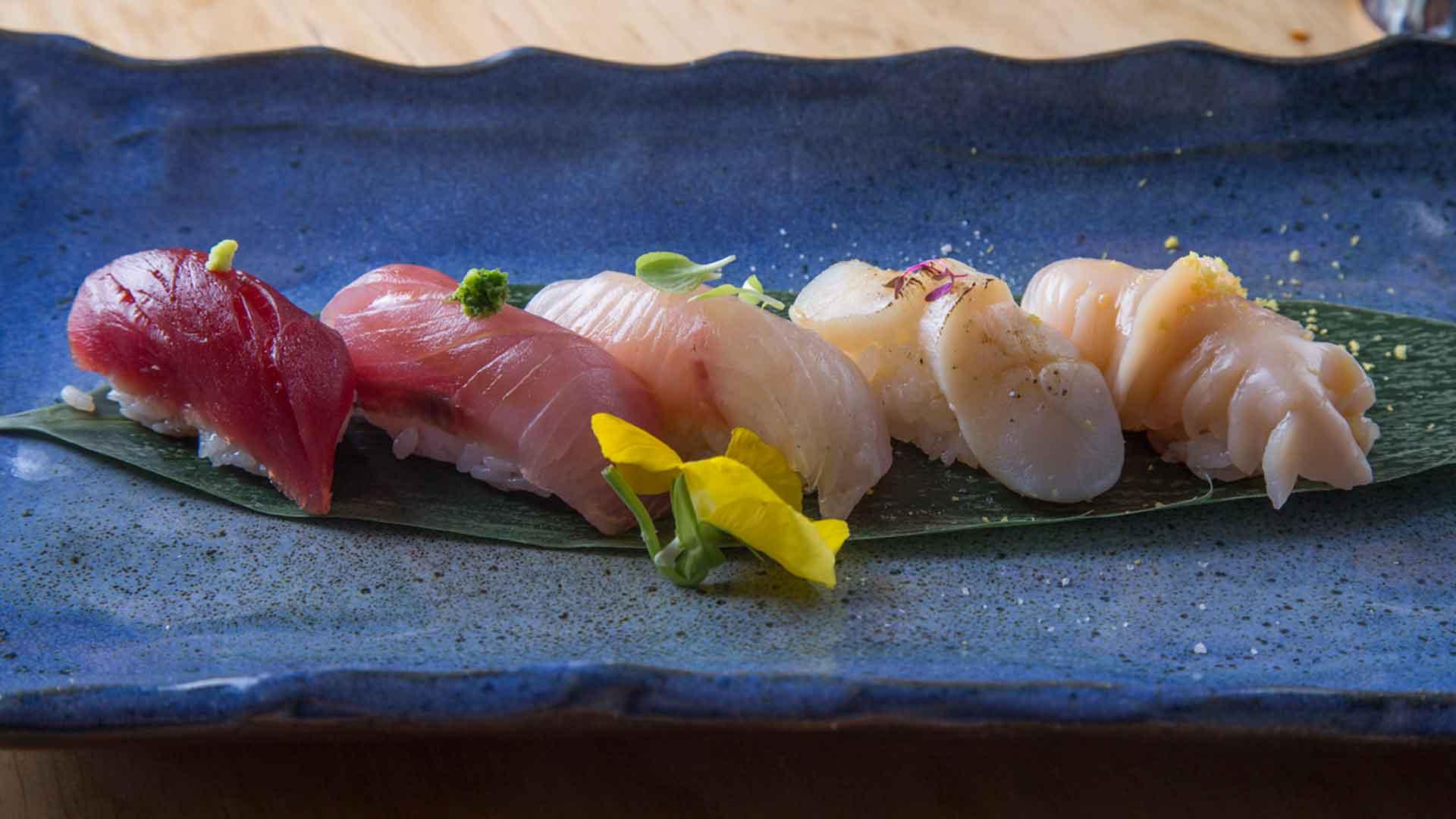 5 pasos para comer nigiris en el restaurante Deigo