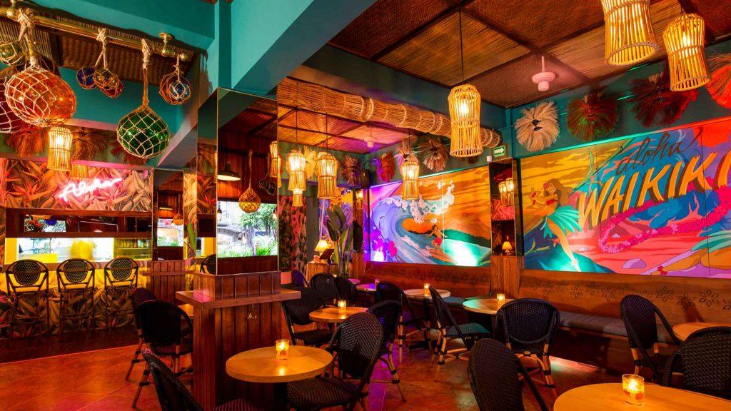 Waikiki Tiki Room: cocteles y ambiente tropical