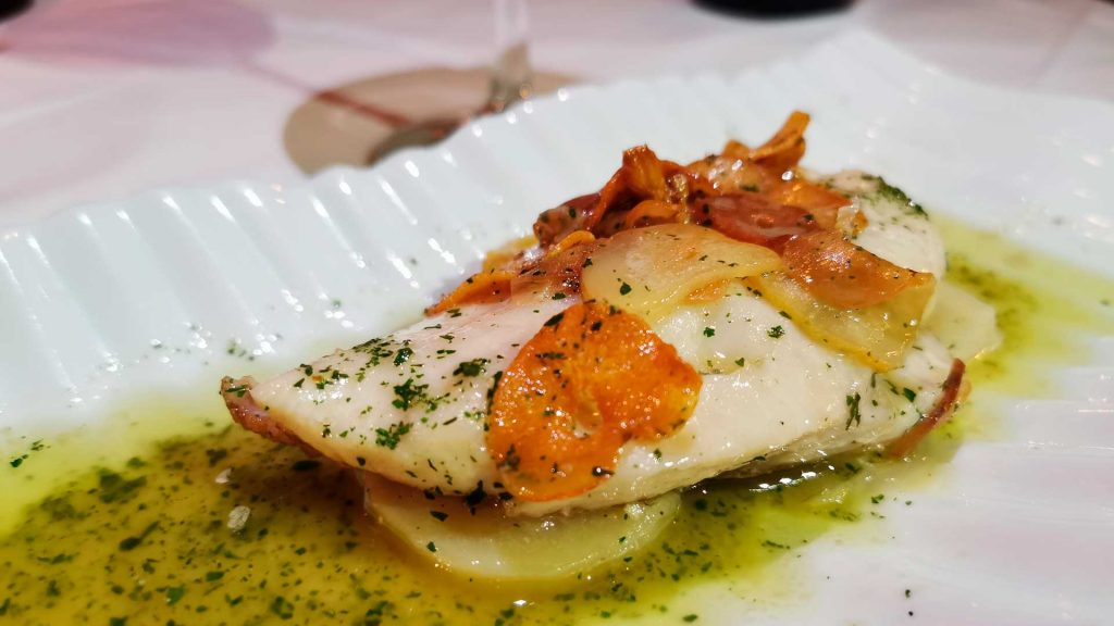 La Mallorquina: huevos rotos y fabada, ¡arriba España!