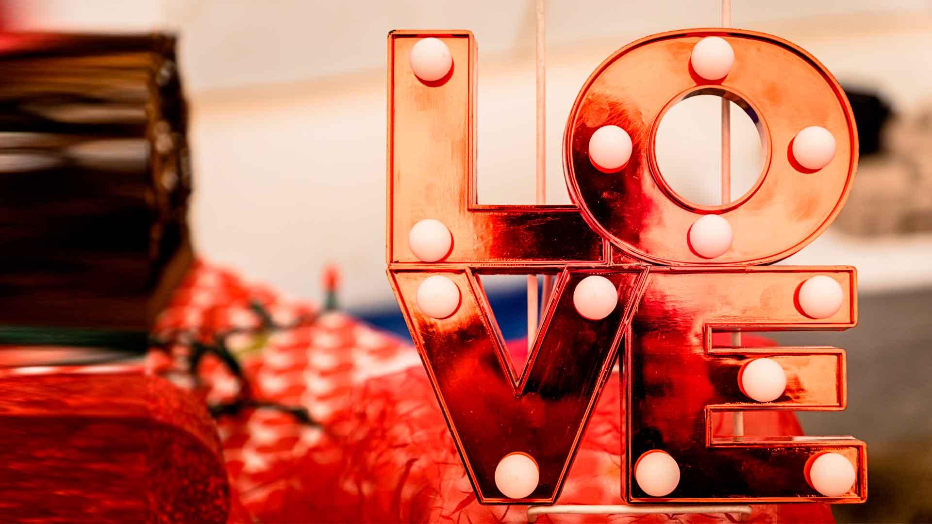 Apps para ligar: este mes del amor no te quedes sin tu otra mitad