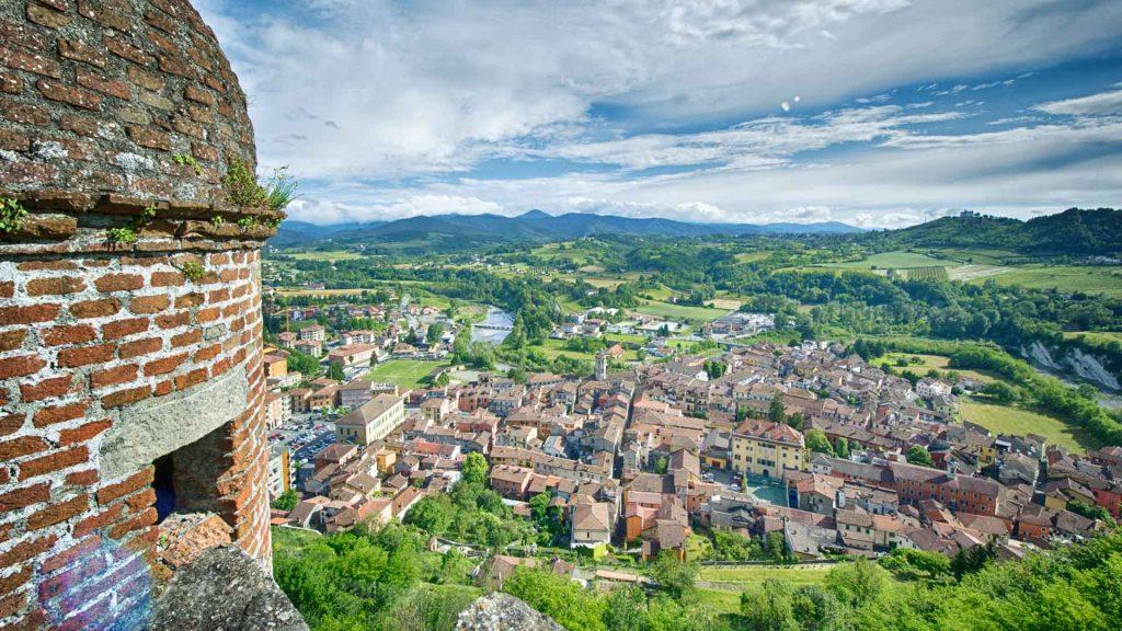 Guía de viaje para conocer la región vinícola Gavi