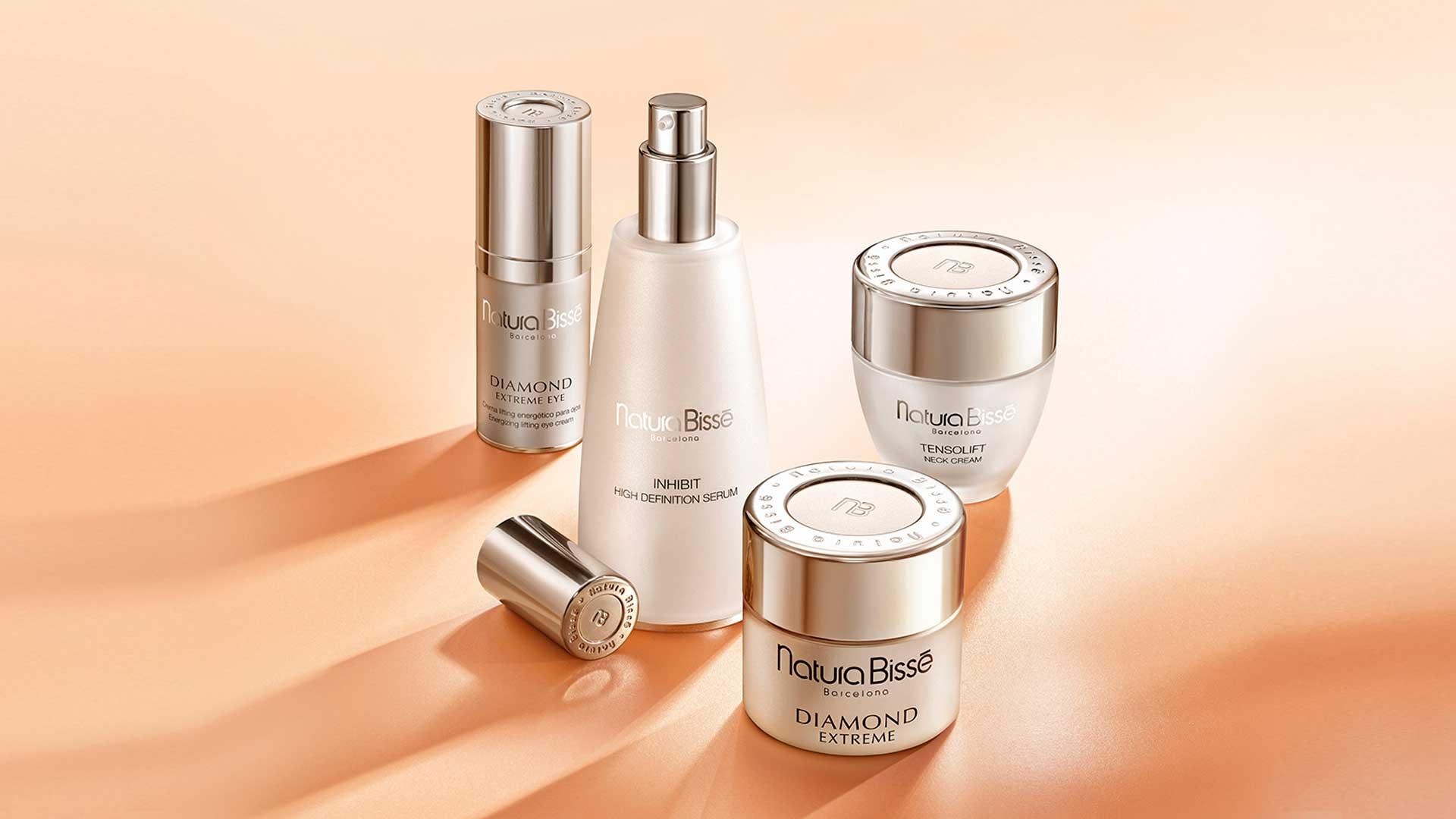 Cuida tu piel con Inhibit V- Neck de Natura Bissé