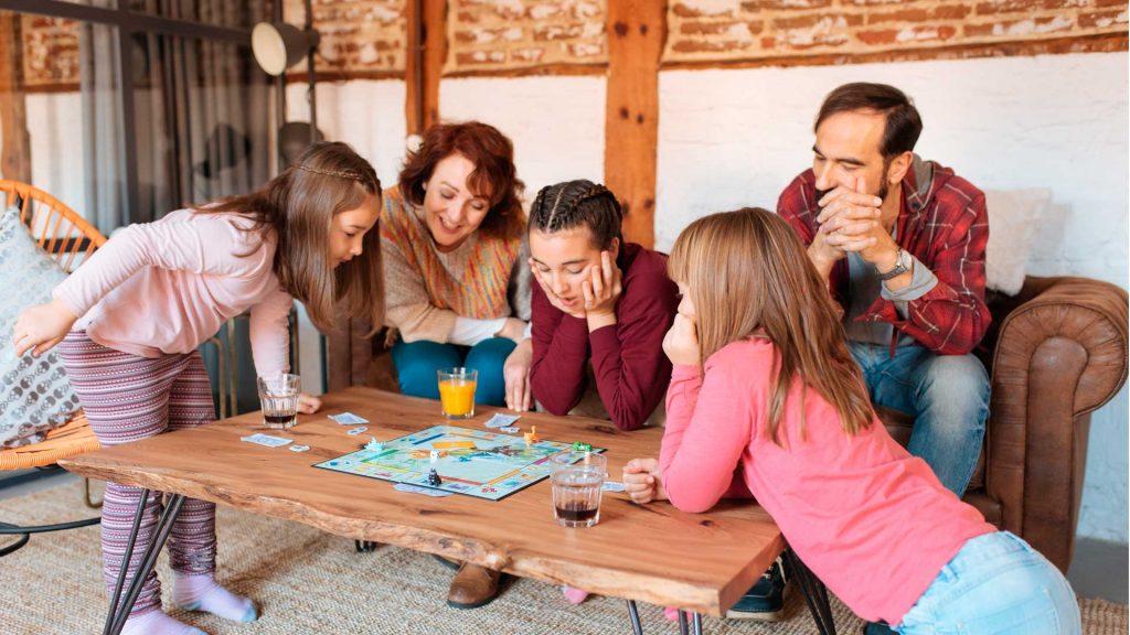 5 juegos de mesa para viajar desde casa