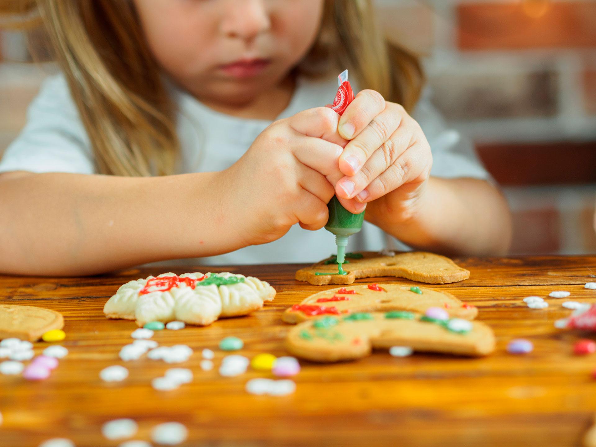 Actividades niños decorar galletas