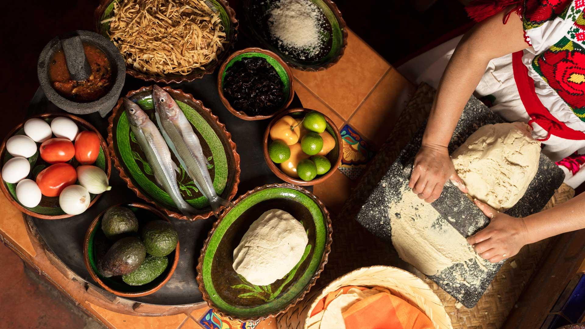 Cocineras tradicionales de Michoacán, tesoro ancestral mexicano