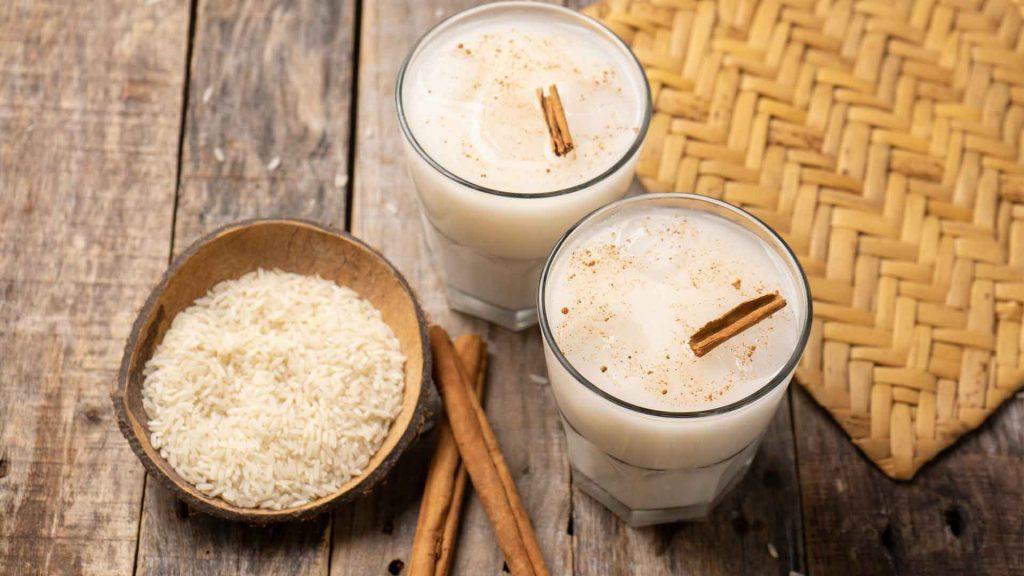 Agua de horchata con leche de coco