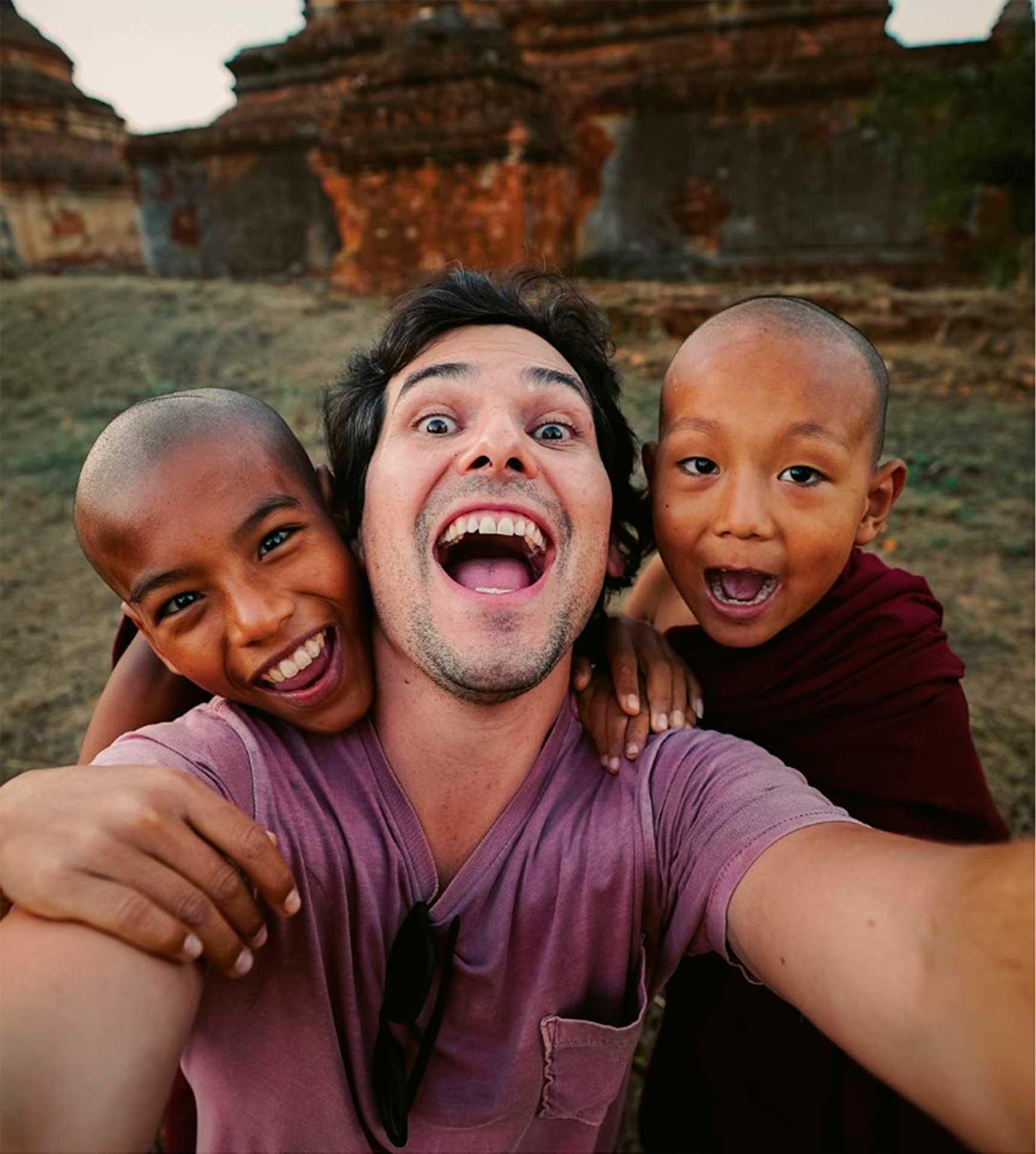 Travel Blogger Alan Estrada