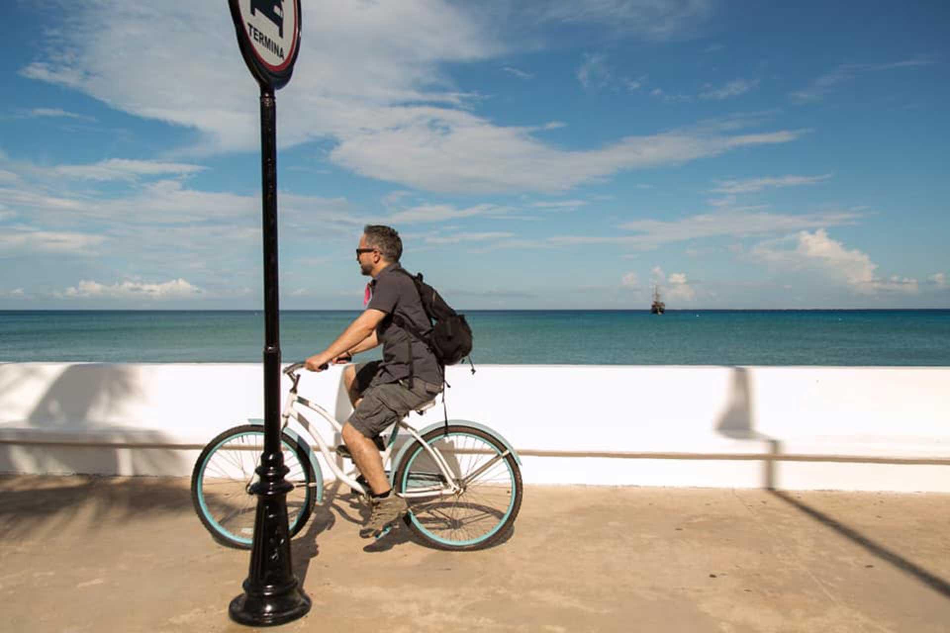 Travel Blogger Miguel Conde