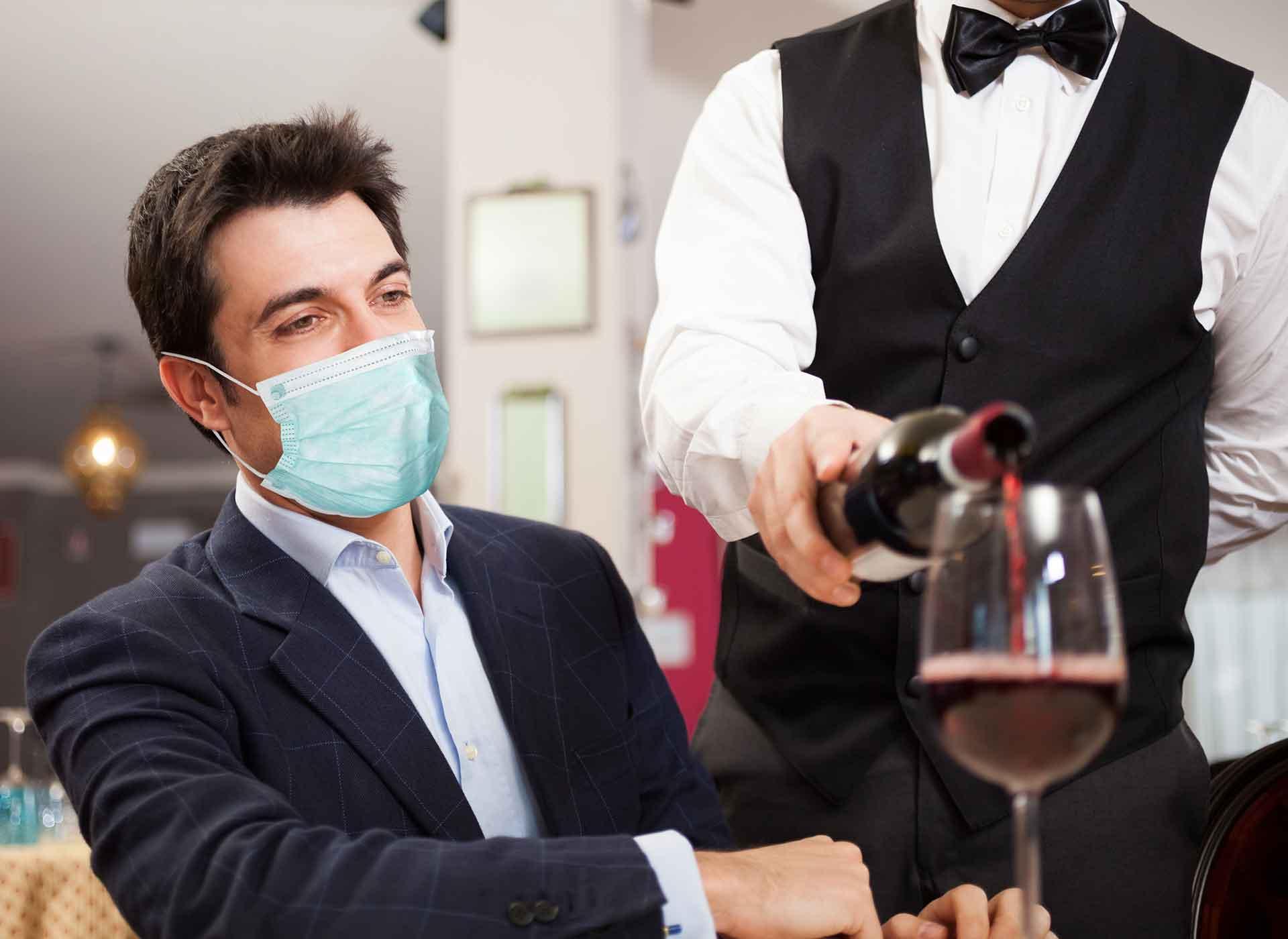Servicio de vino en restaurantes