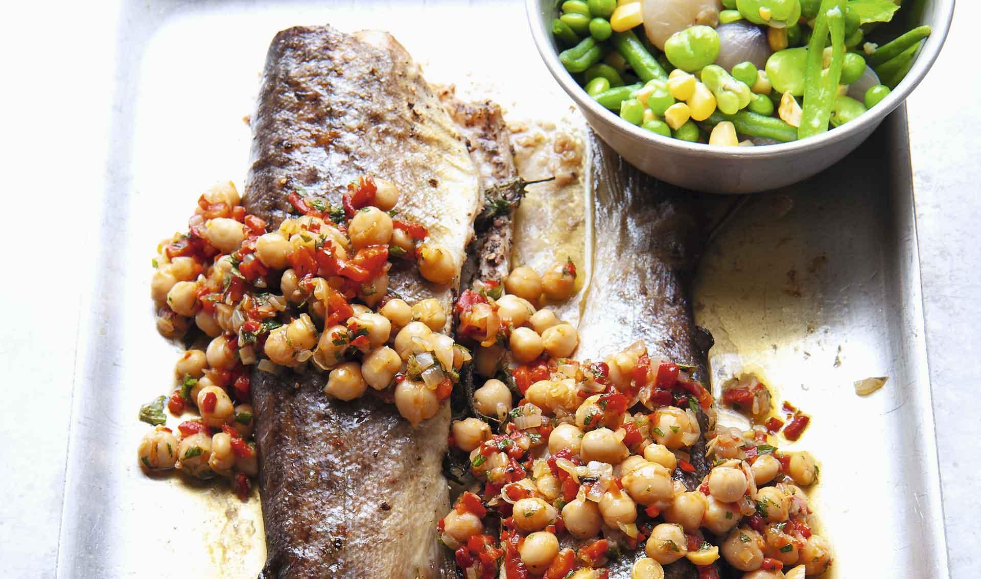 Receta de filetes de trucha de mar con puré de papa y rábano picante