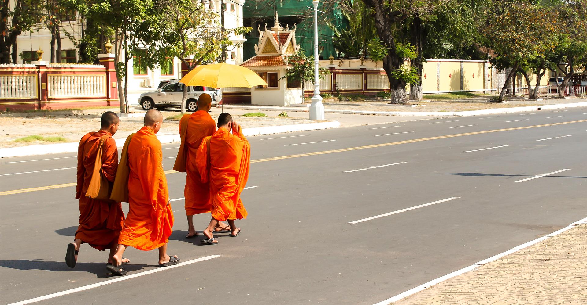 Monjes budistas de Camboya