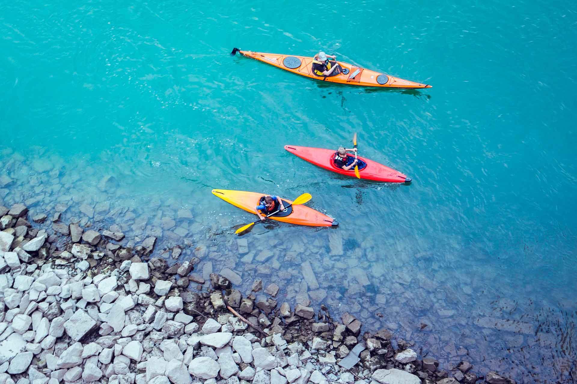 Deportes acuáticos kayak