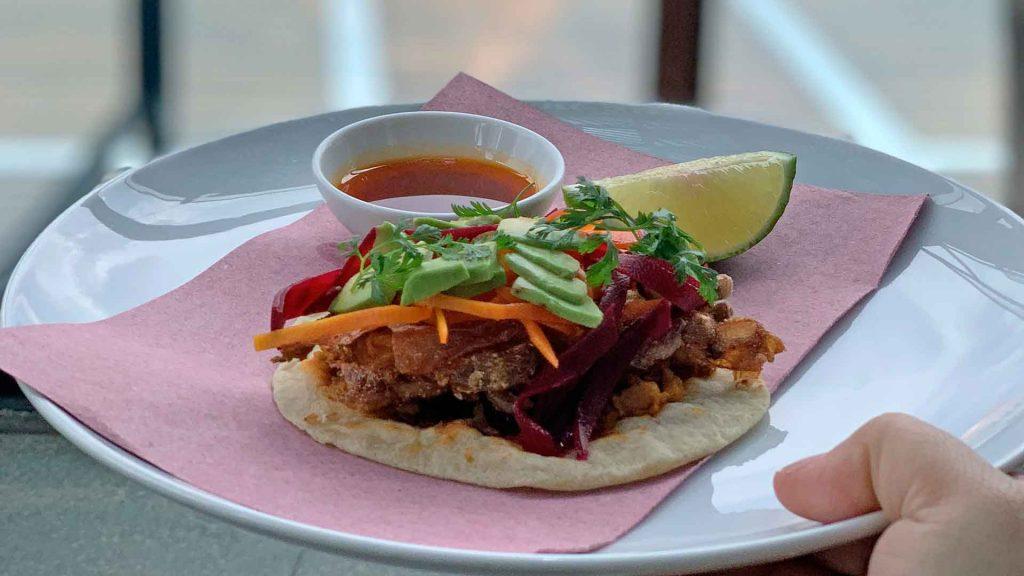 Prepara un taco de jaiba con la esencia del restaurante Arango