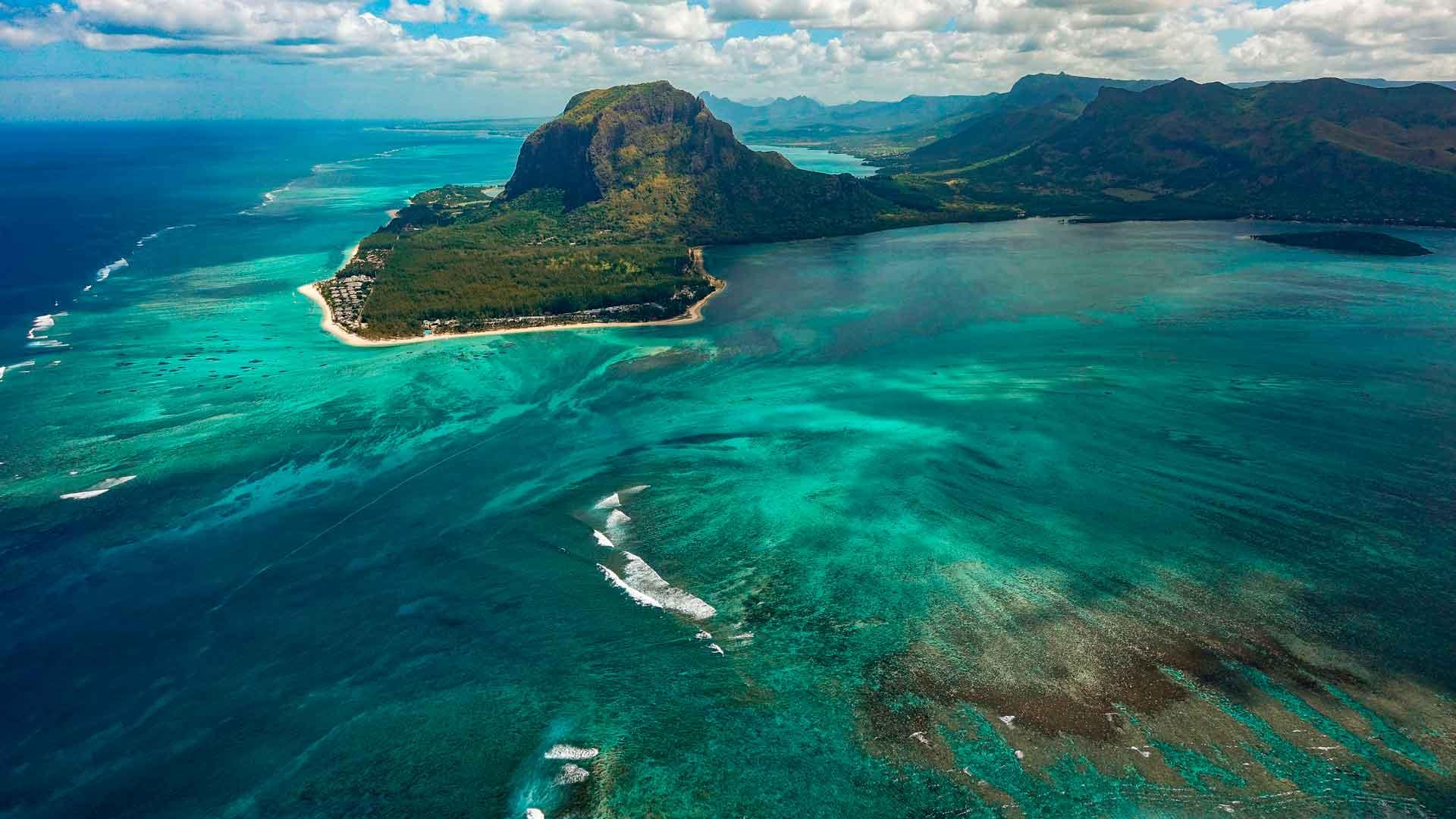 Islas Mauricio en estado de emergencia ambiental