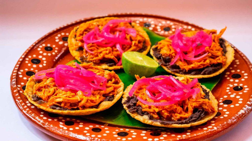 Panuchos: antojito de tradición yucateca