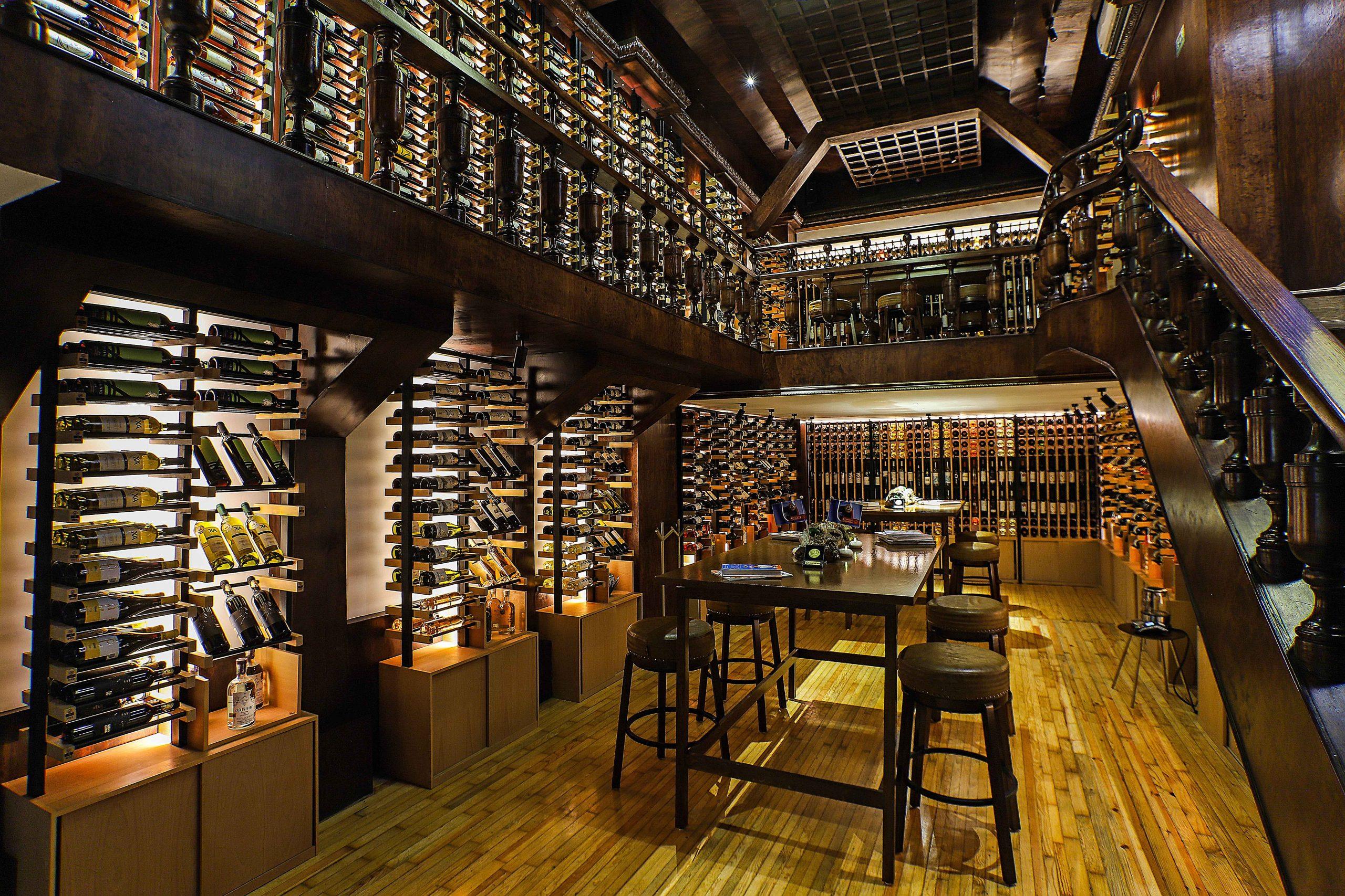 Wine bar interiores