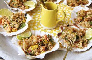 Cangrejo con migajas de queso, chile, coco, limón y cilantro